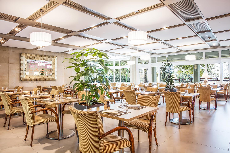 La maison de Retraite du Petit-Saconnex accorde une grande importance au « Bien Manger ».  Deux restaurants ouverts au public