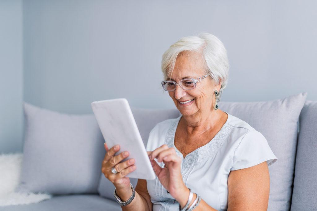 Résidence à la carte pour personnes en âge d'AVS qui souhaitent vivre une retraite agréable, sans souci et sans contrainte en totale indépendance et en toute sécurité