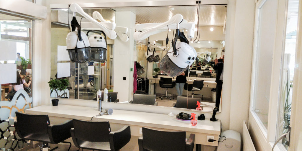 Salon de coiffure ouvert au public et aux résidants de notre institution
