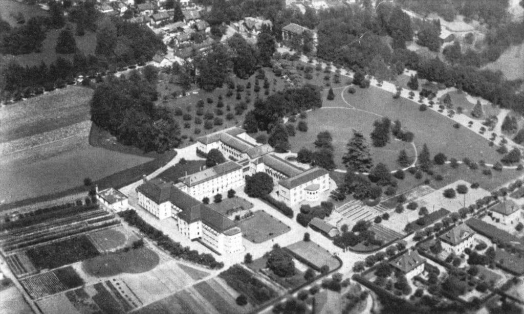 La Maison de Retraite du Petit-Saconnex vue du ciel en 1949